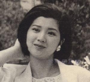 淳子さん髪型1985.jpg