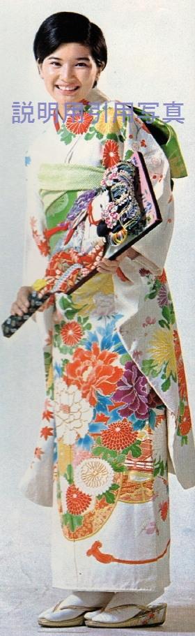 11桜田淳子1974晴着週刊平凡16.jpg